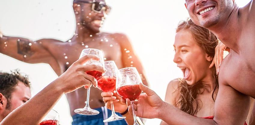 I cocktail perfetti per brindare con i (veri) amici