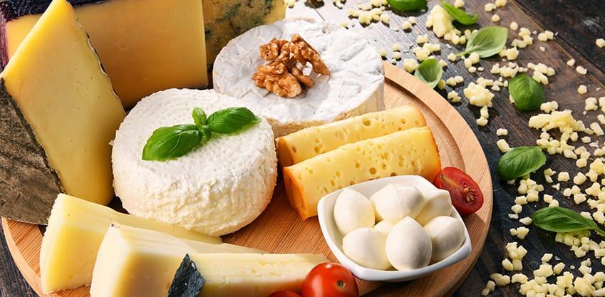 Aperitivo al formaggio, scopri i cocktail abbinati