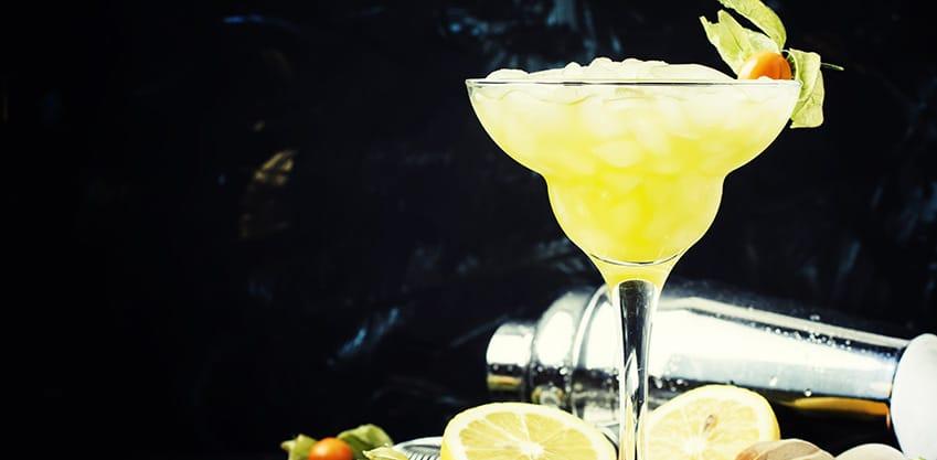 Cocktail con frutta esotica, la tendenza del 2018
