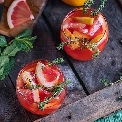Cocktail alla frutta con pompelmo
