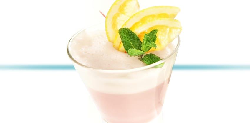 Sorbitter al pompelmo, cocktail con pompelmo e gelato al limone, con Sanbittèr Emozioni Pompelmo