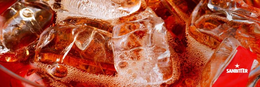 Come si utilizza il ghiaccio per la preparazione dei drink: a cubetti, frullato o addirittura senza