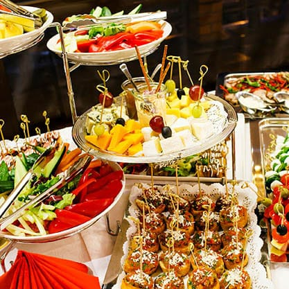 l'importanza delle decorazioni nella preparazione dell'aperitivo