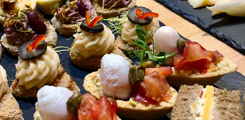 Estate, è tempo di aperitivo all'aperto e finger food