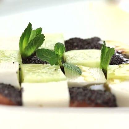 Cube Salad, con salmone e primosale per aperitivo