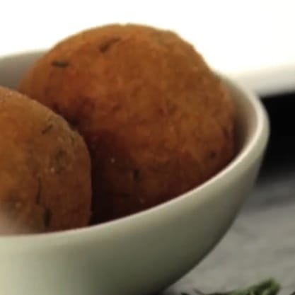 Polpette di merluzzo alla zenzero, ricetta della tradizione italiana per un aperitivo sfizioso e vivace