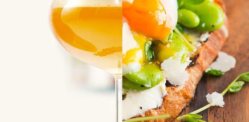 Finger Food di fave e pecorino con l'uovo in camicia e Petit Paradis