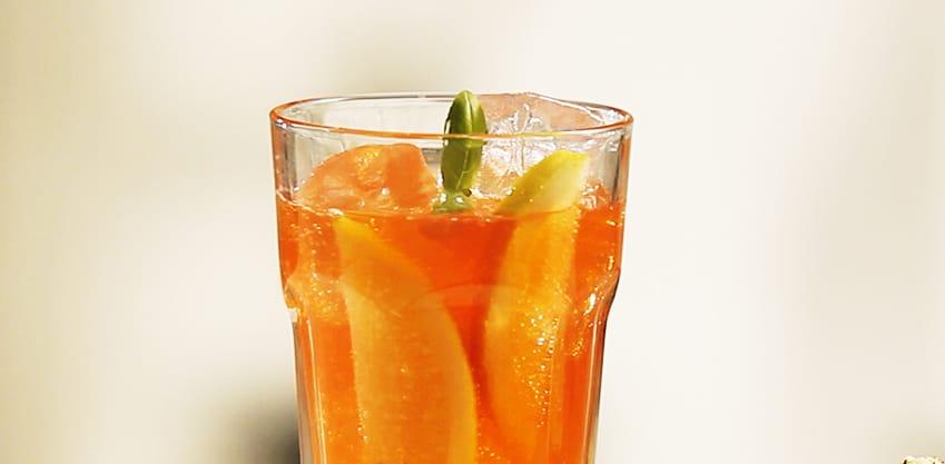 Passion Spice drink con pepe bianco e Sanbittèr Emozioni di Frutta Passion Fruit