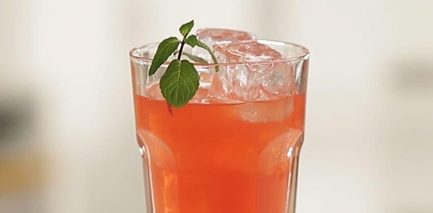 Pompelmo Crush Cocktail con Sanbittèr Emozioni di Frutta Pompelmo