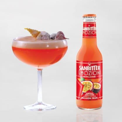 Petit Paradis cocktail con Sanbittèr Emozioni di Frutta Passion Fruit