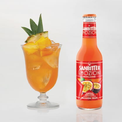Tropical Bitter, cocktail a base di Sanbittèr Emzioni di Frutta Passion Fruit