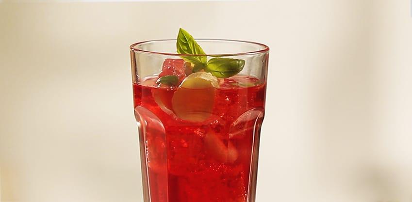 Red Stinger con basilico e zenzero, Tonica Sanpellegrino e Sanbittèr Rosso