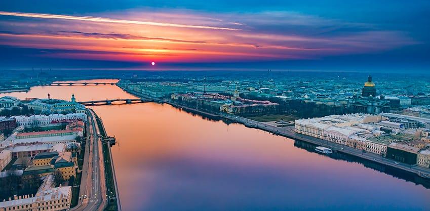 San Pietroburgo, la città da vivere di notte
