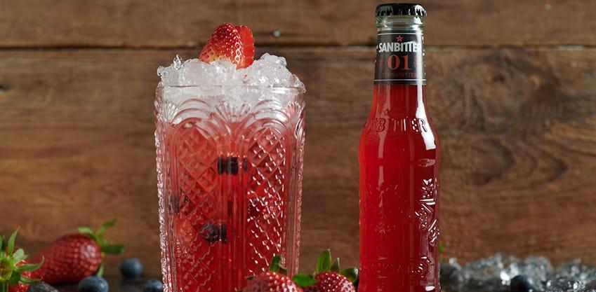 Strawbitter: scopri i 5 cocktail adatti alla primavera