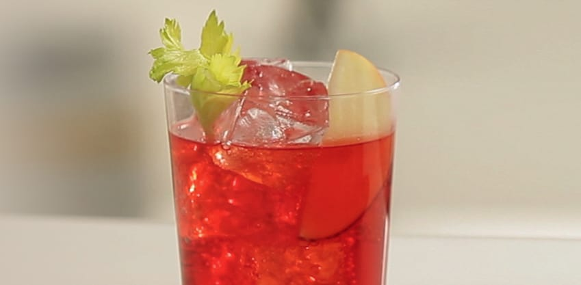 Stuzzichini e aperitivo: il cocktail è Red Eva