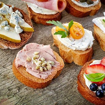 Stuzzichini per aperitivo: quelli giusti con Sanbittèr Dry