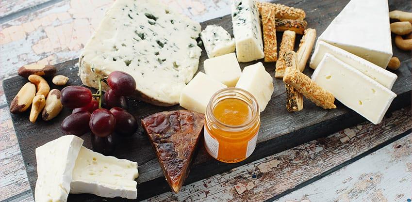 Formaggio, re della tavola: 5 idee di food pairing per l'aperitivo