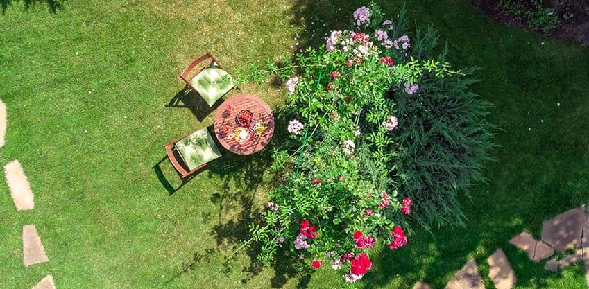 Organizzare un perfetto aperitivo in giardino